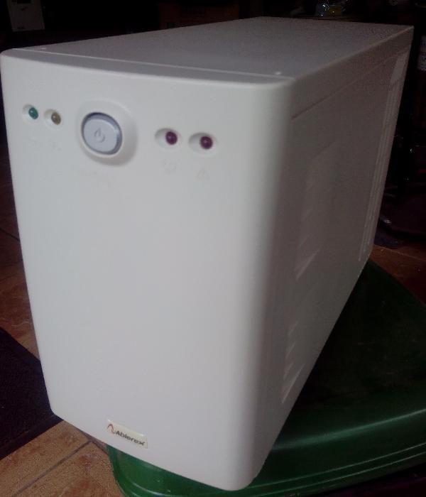 UPS Ablerex VT-PRO 1500, ca nou, cu sau fara acumulatori noi.