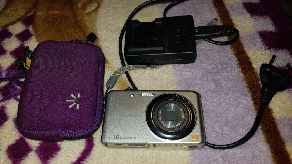 Camera foto Panasonic Lumix DMC-FS22, argintiu, ca noua + husa
