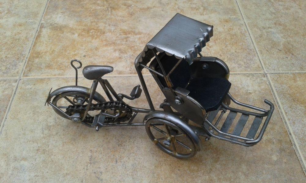 Ръчно изработена мини рикша