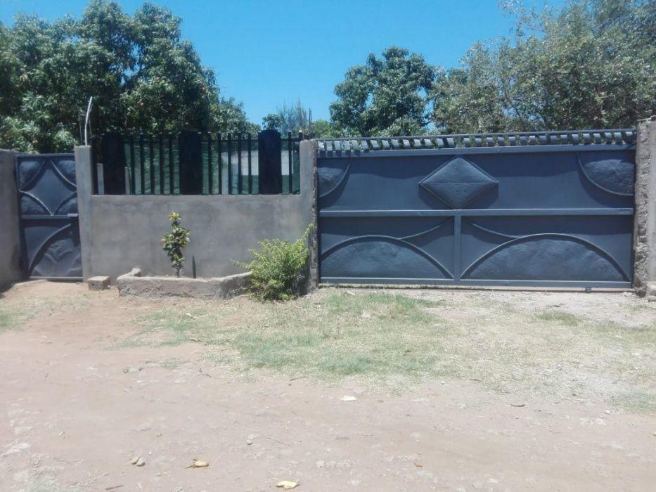 Boa casa a venda na Matola-Rio km16