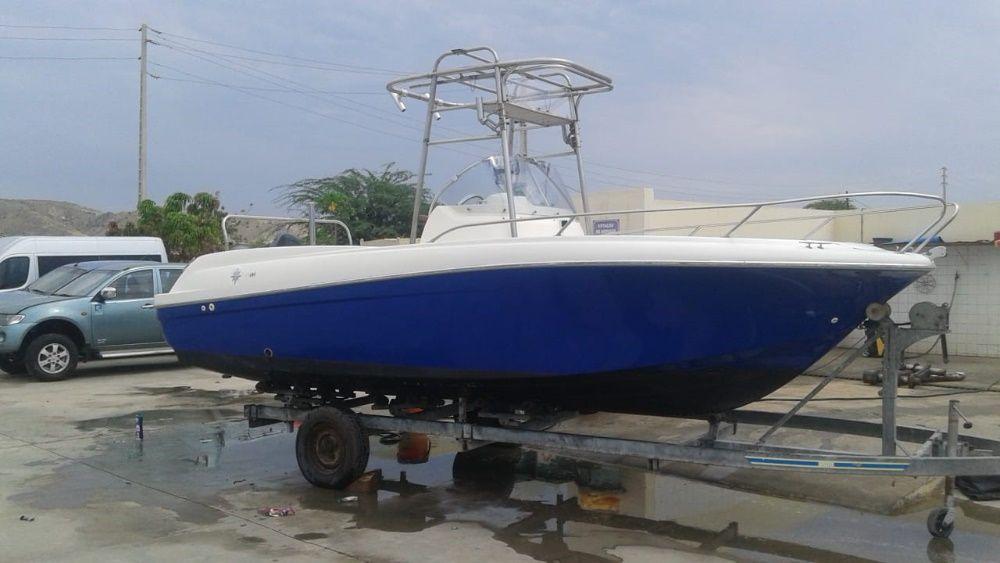 Barco de recreio e pesca desportiva CAP CAMARAT 635- JEANNEAU