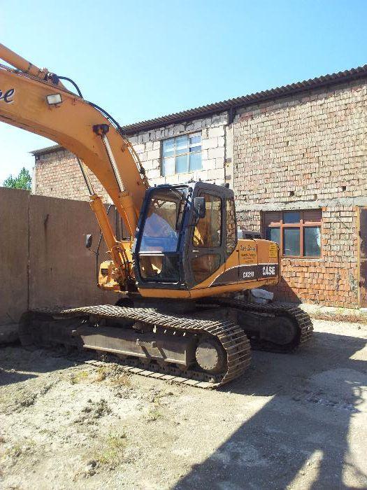 Inchiriez excavator pe senile CASE CX 210