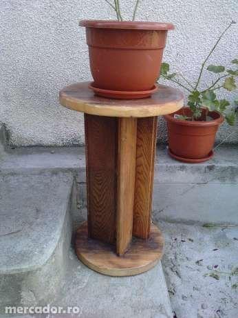 suport din lemn pentru flori