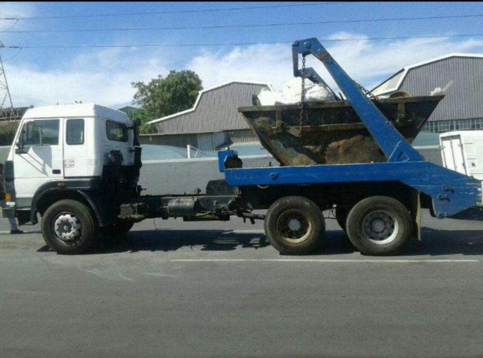 Vendo Camião Tata para remoção de lixo