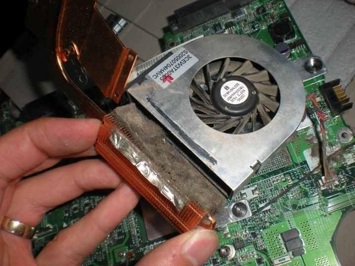 Curatare profesionala Laptopuri