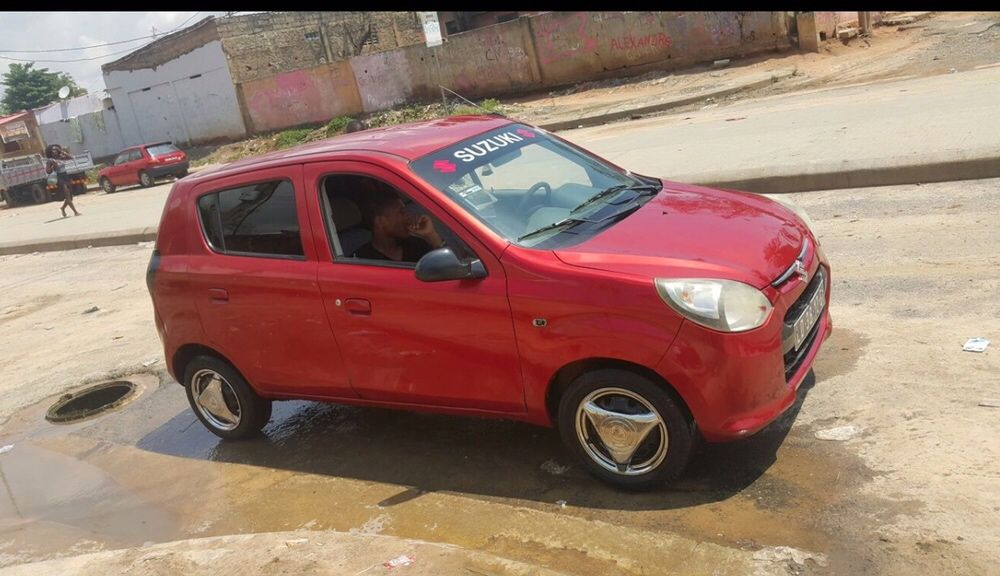 Carro Suzuki Alto 800