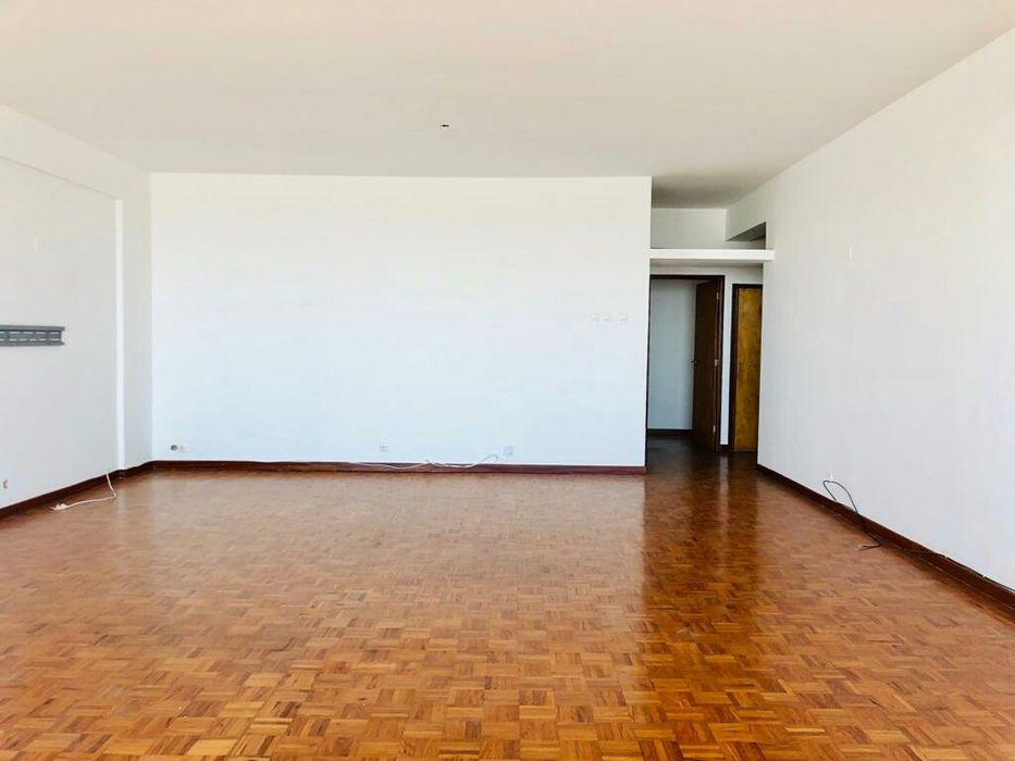 Vendo Apartamento T3 com 1 suíte, Av. Julius nyerere na antiga TVM