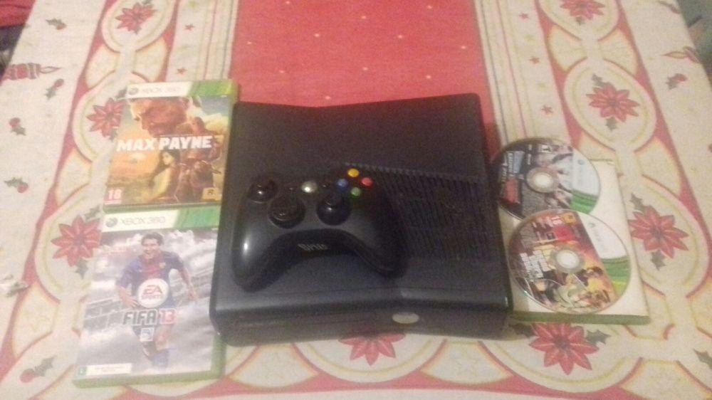 Xbox 360 S ja craquiado e como 5 Jogos em disco estado sime-Novo