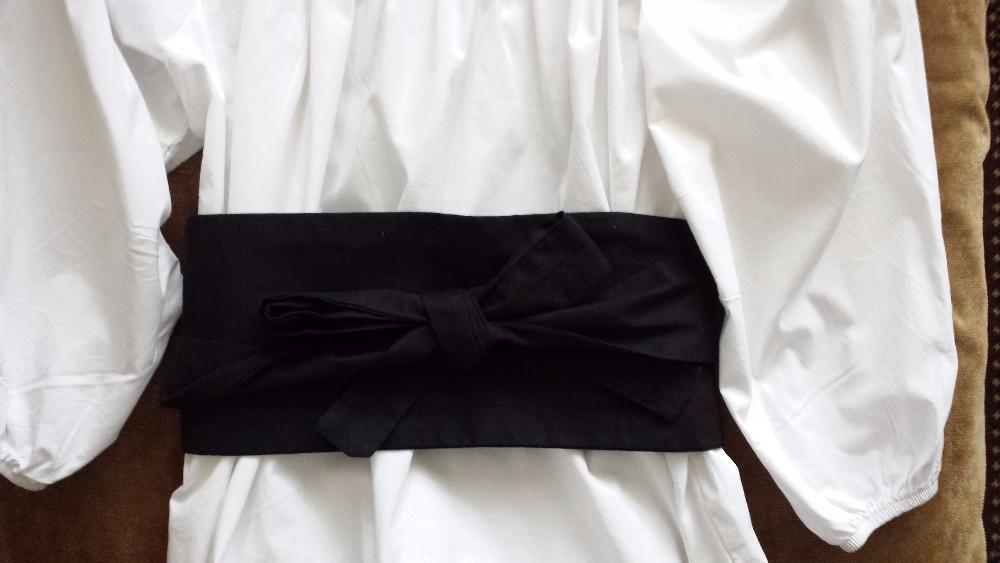 Блузка с 3/4 ръкав и колан