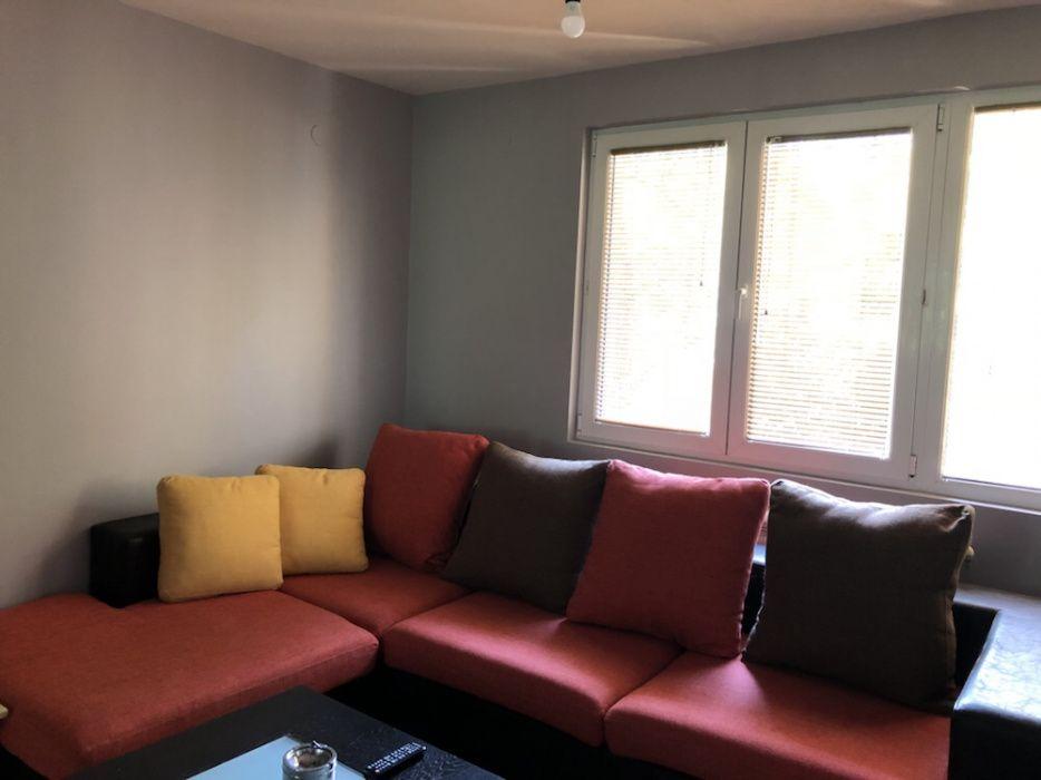 Голям ъглов диван