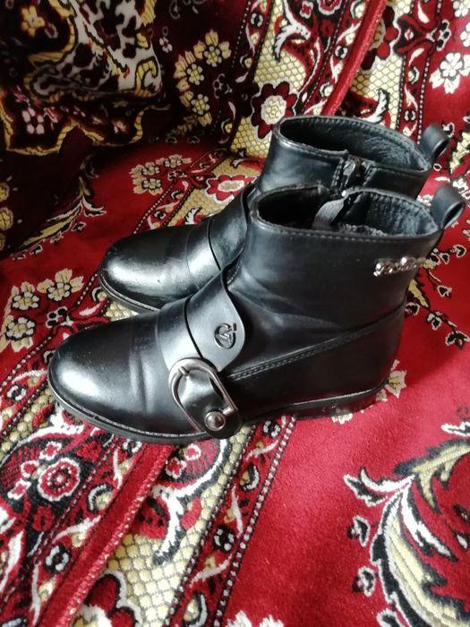 Ботинки на девочку 32 размер