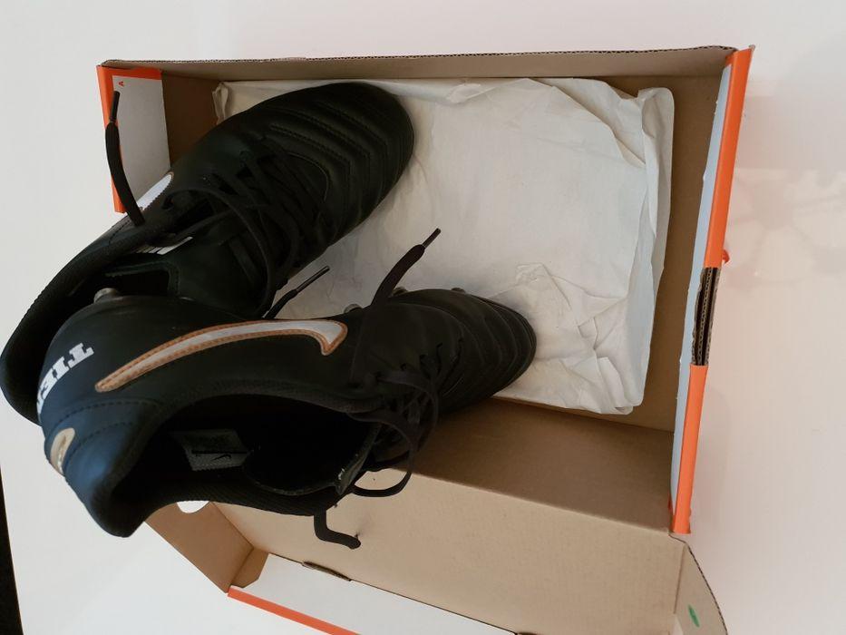 Nike Tempo 41