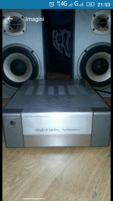 Sistem audio Kat. 4 boxe + stație și mixer audio.