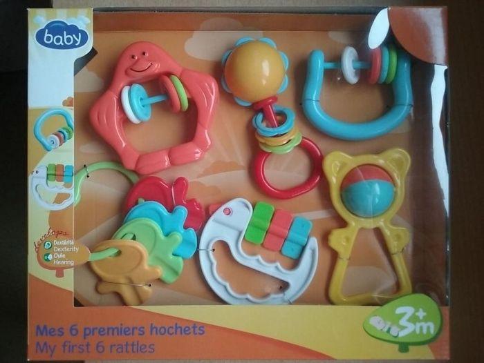 Set 6 jucarii zornaitoare pentru bebelusi, produs NOU,sigilat in cutie