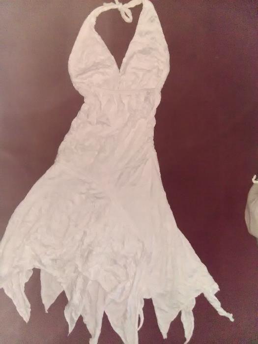 Продавам лятна рокля изгодно !