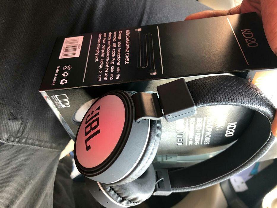 JBL Headphones : Bluetooth : aux : cartão de memória