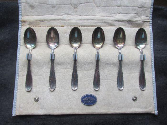 Комплект от 6 сребърни лъжички