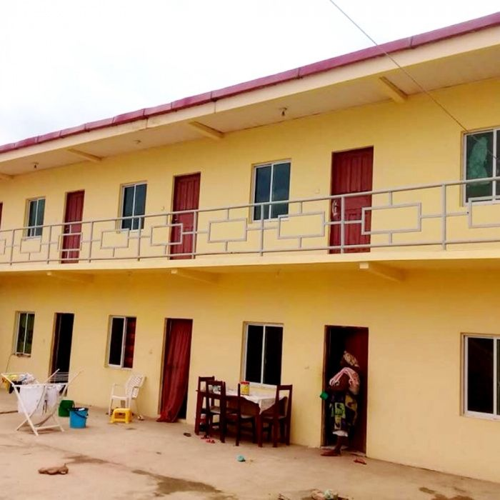 Vendemos Guest House T10 Urbanização Nova Vida
