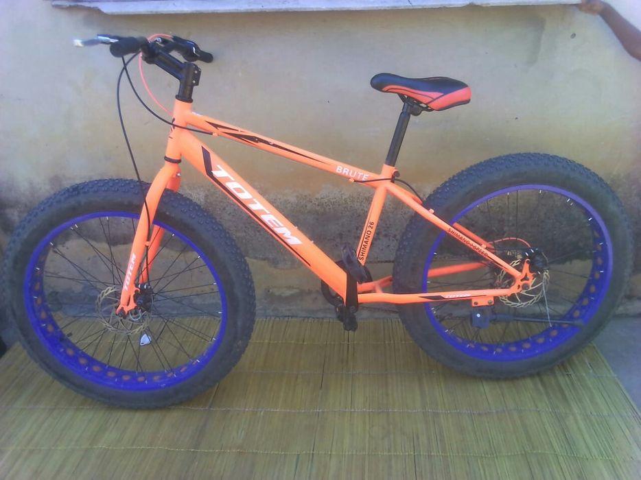 Vende-se essa super bike