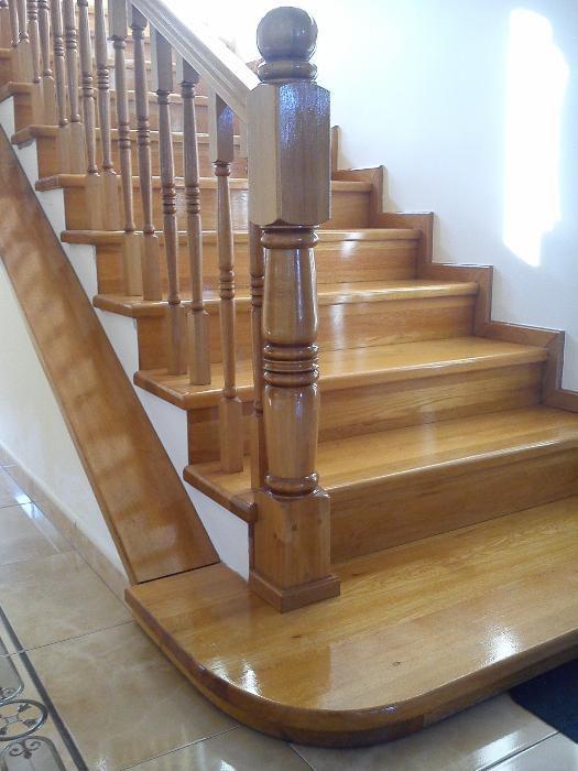 Trepte scari lemn masiv placare Balustrade lemn