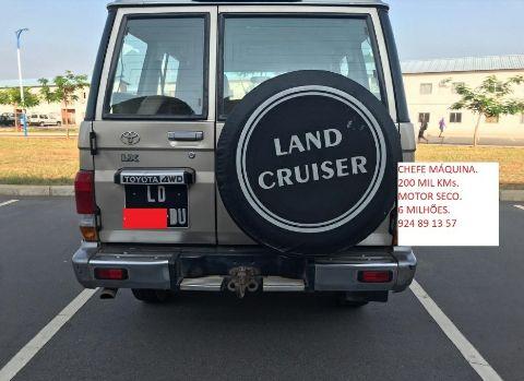 Toyota Land Cruiser disponivél Ingombota - imagem 2