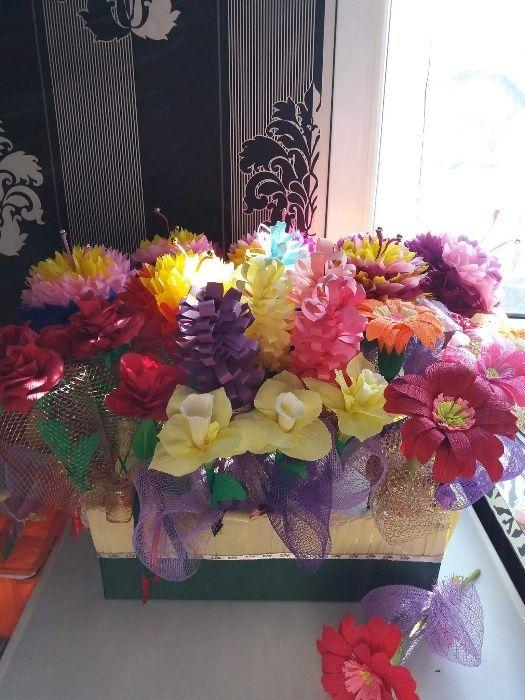 Ръчно изработени картички,покани и цветя.