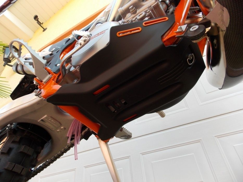 Scut KTM EXC 250-300 model 2005-2016 inclusiv modelele 2017 si 2018