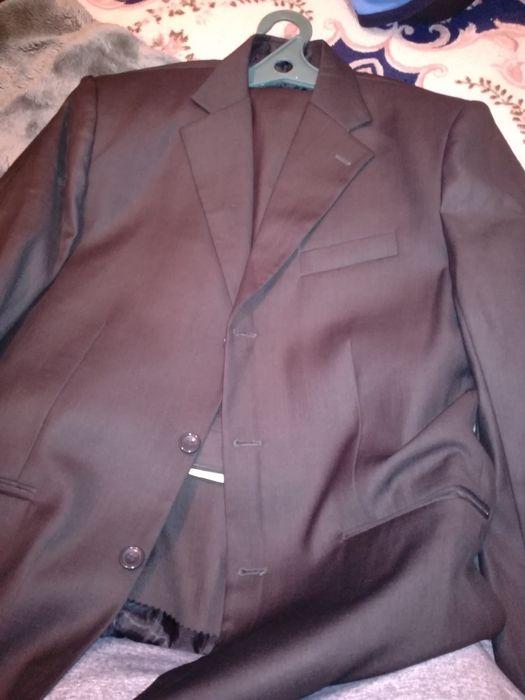 06bcd1092b6 Костюм брючный новый  8 000 тг. - Мужская одежда Семей на Olx