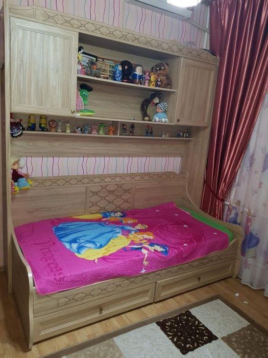 Кровать с надставкой (полками) + матрас