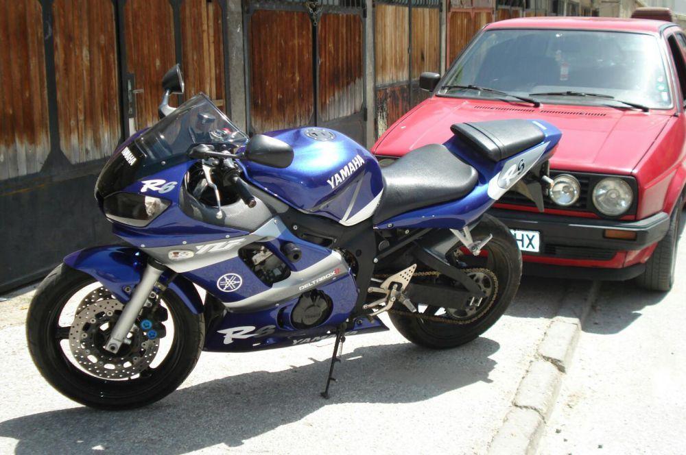 Yamaha R6 на части моторите са три броя.