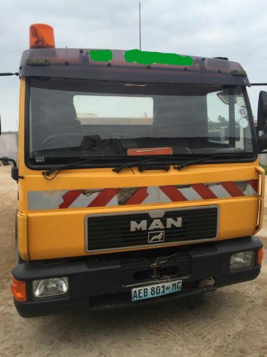 Camião Cisterna: 7000 Litros | Super Operacional | Marca: MAN