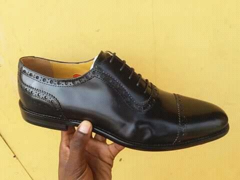 Sapato Preto.