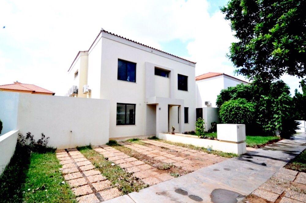 Arrendamos Vivenda T4 Condomínio Paraíso Residencial de Talatona