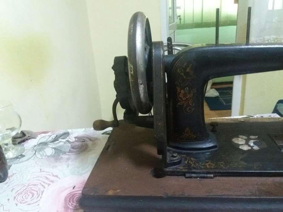 Masina de cusut antica