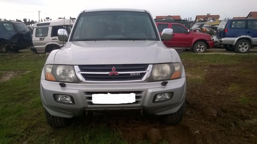 Dezmembrez Mitsubishi Pajero