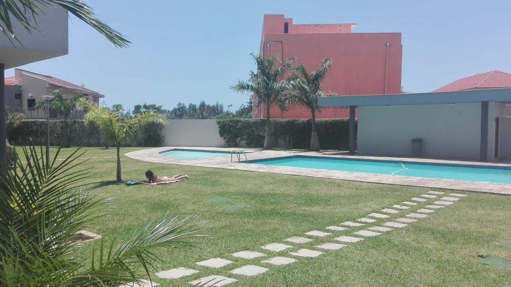 Vende se apartamento t3 mega luxuosa c piscina no Condominio The Palm