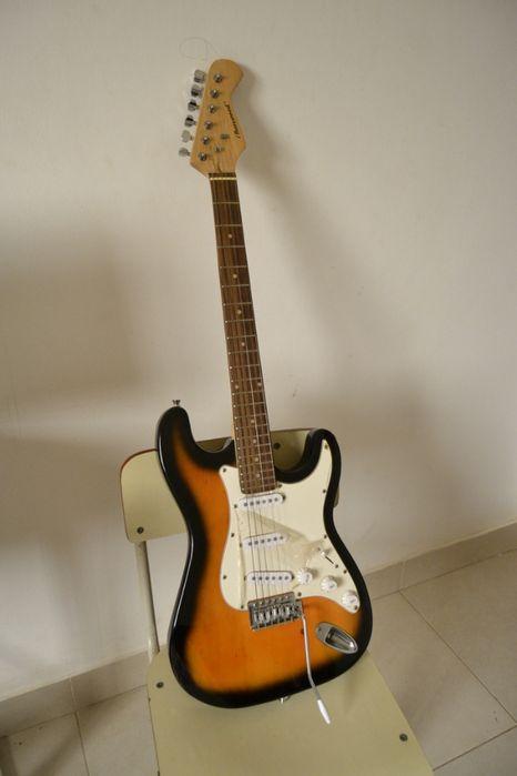 """Semi-nova Guitarra eletronica """"PROMOÇÃO"""""""