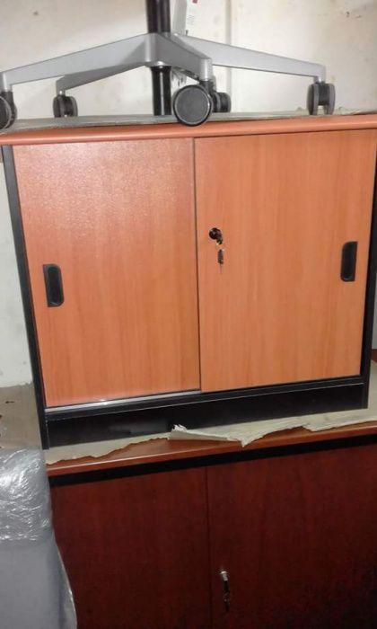 Armário de 80x80 com duas prateleiras. Produtos novo na caixa.