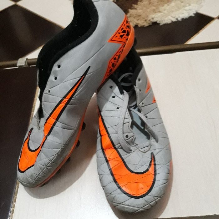 Adidasi ghete fotbal Nike Hipervenom - marime 37.5