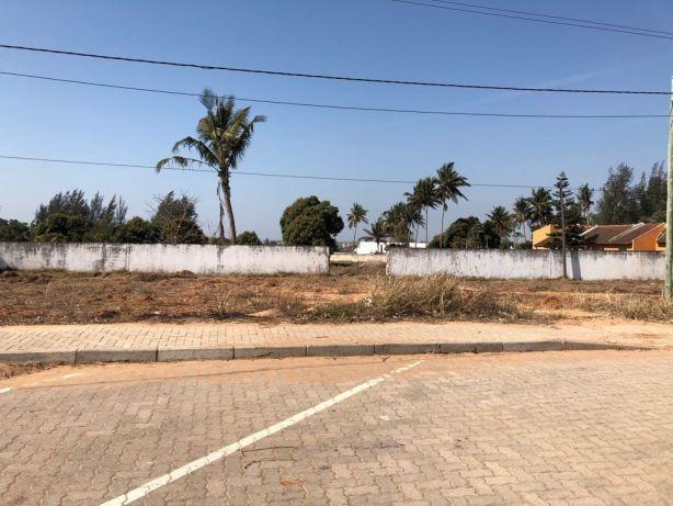 Ideal para Bombas de Combutivel em Romao 50*150 a aberma da estrada. Maputo - imagem 6