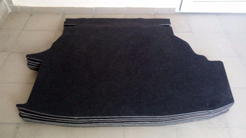 Продам родной коврик багажника на Toyota Camry 30/35. 40/45.