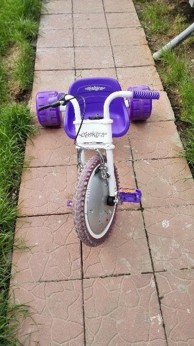 Vand tricicleta copii pana la 10 ani