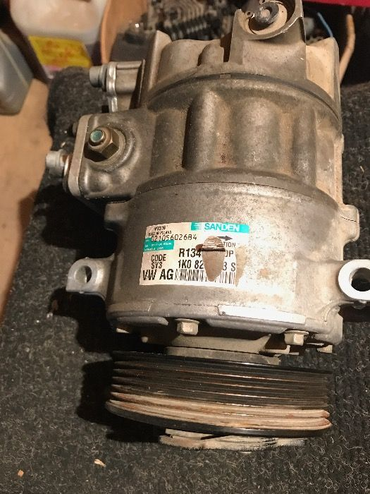 Compresor aer conditionat VW Audi, Seat, Skoda Cod: 1K0820808S