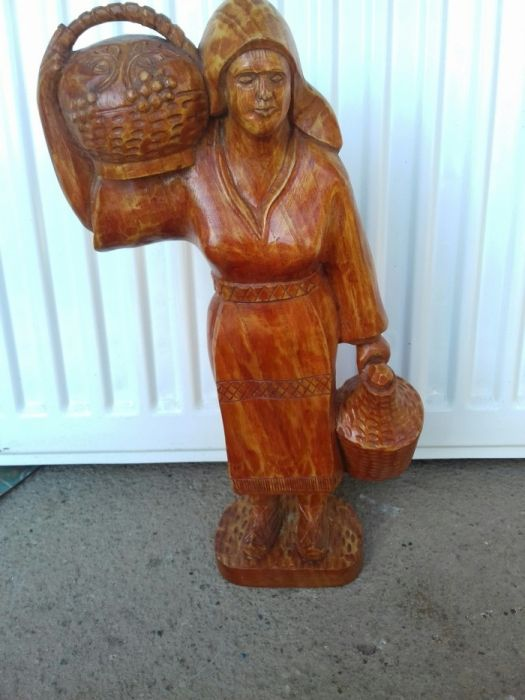 Statuie statueta lemn tarancuta