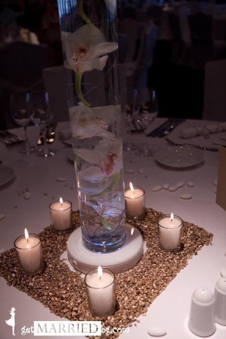 Светеща поставка за вази