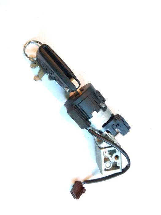 Контактен ключ + патрон Пежо 3008