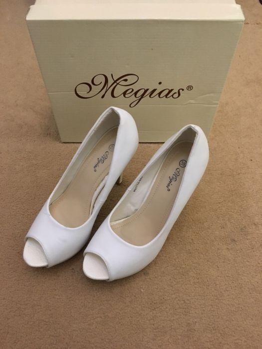 Дамски бели обувки 38