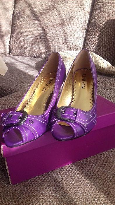 Нови обувки N35 за 5 лв.