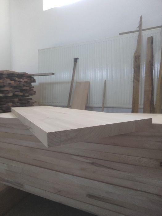 Trepte din lemn masiv de FAG