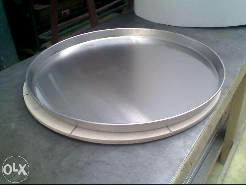 Тави за пица на парче 50 и 60см от алуминий,нови от производител.Подло